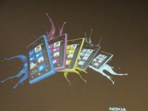 Nokia Lumia 800 blanco y amarillo
