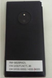 Nokia Lumia 830 trasera