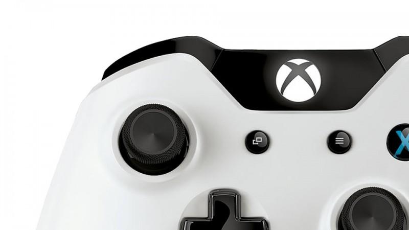 Detalles parte de arriba del mando blanco de Xbox One