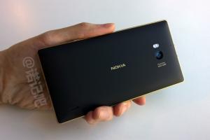 Nuevas imágenes del Lumia 1330 ahora junto al Lumia 930 Gold