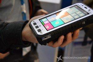 Panasonic nos muestra su Phablet ToughPad FZ-E1 con Windows para resistir todas las situaciones