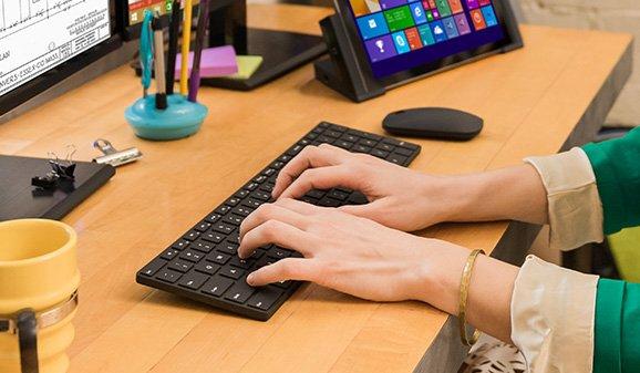 Microsoft designer bluetooth keyboard