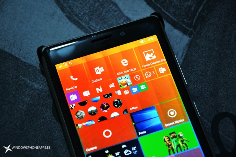 cuatro tiles Windows 10 mobile