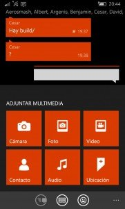 WhatsApp Beta recibe mejoras para la cámara y ya permite guardar mensajes como favoritos.
