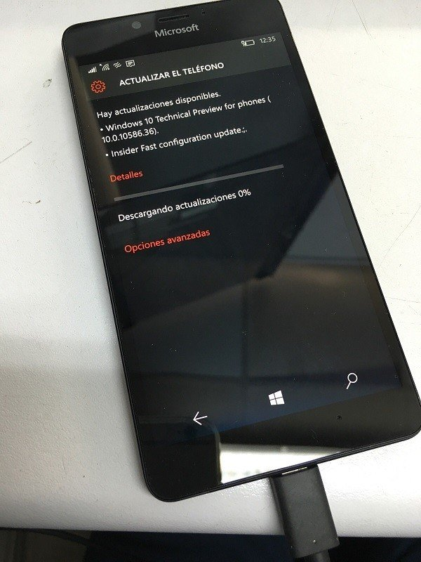 La Build 15051, disponible para Windows 10 Mobile en el anillo rápido [Actualizado]