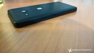 Desempaquetado del Microsoft Lumia 550, el Lumia con Windows 10 Mobile más económico