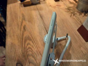 Alcatel OneTouch Pixi 3, un 8 pulgadas con Windows 10 Mobile en vídeo