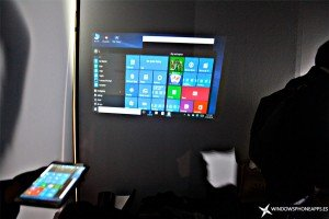 Akyumen-Holofone-proyectando-Windows-10
