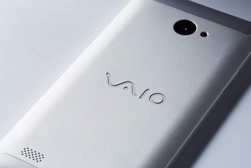 VAIO_Phone_Biz_Silver_back_naname.0.0