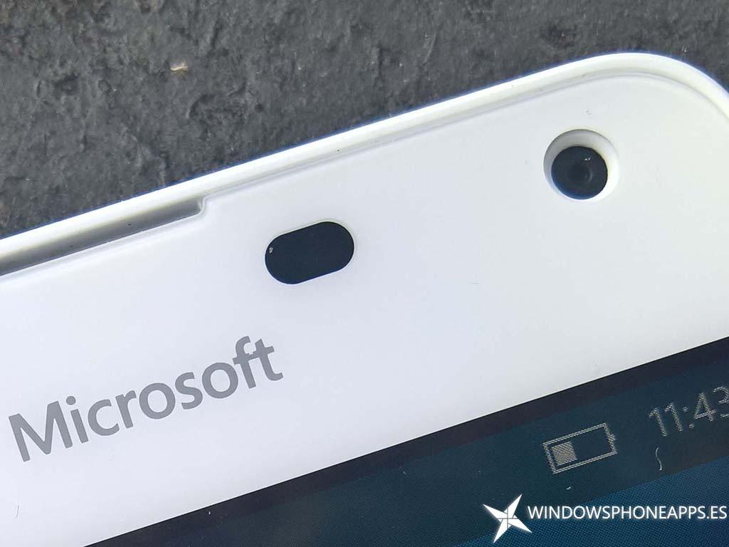 Lumia 650-13