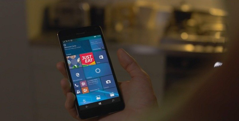 Anuncio de Just Eat en Reino Unido con un teléfono Windows 10 Mobile