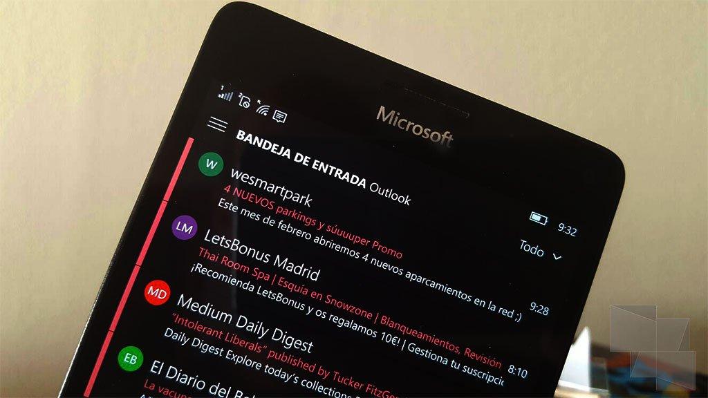 Correo de  Outlook permite desactivar los iconos de contactos en Windows 10