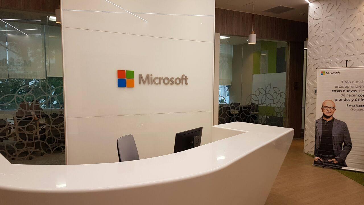 Microsoft inaugura sus nuevas oficinas en la ciudad de for Oficinas microsoft