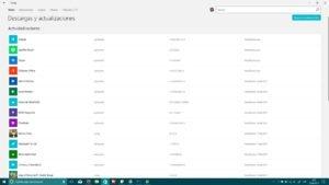 Tienda de Windows™ diez con principales detalles de Fluent Design en la lista de descargas y actualizaciones