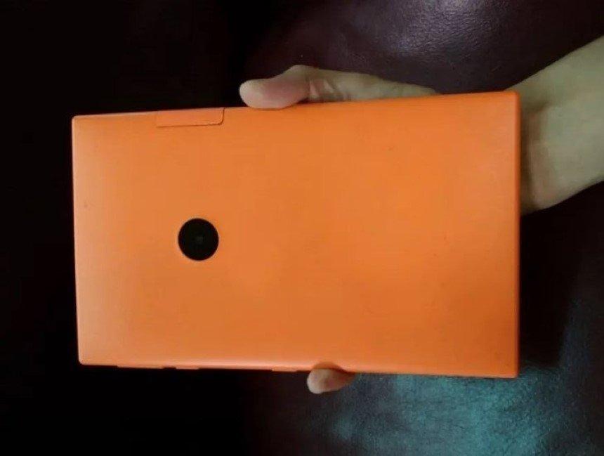 Nuevas imágenes de la supuesta mini tablet de Nokia