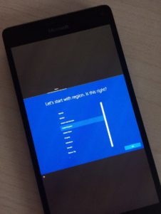 Ya puedes instalar Windows 10 ARM en tu Lumia 950 XL... pero sólo si eres un experto